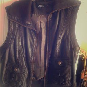 Leather vest ( pleather)